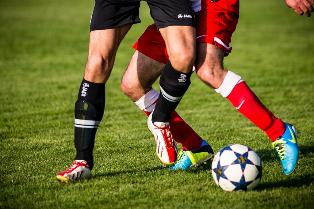 traumi del ginocchio nello sport del calcio
